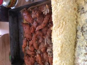 Rolada z serem i pieczarkami
