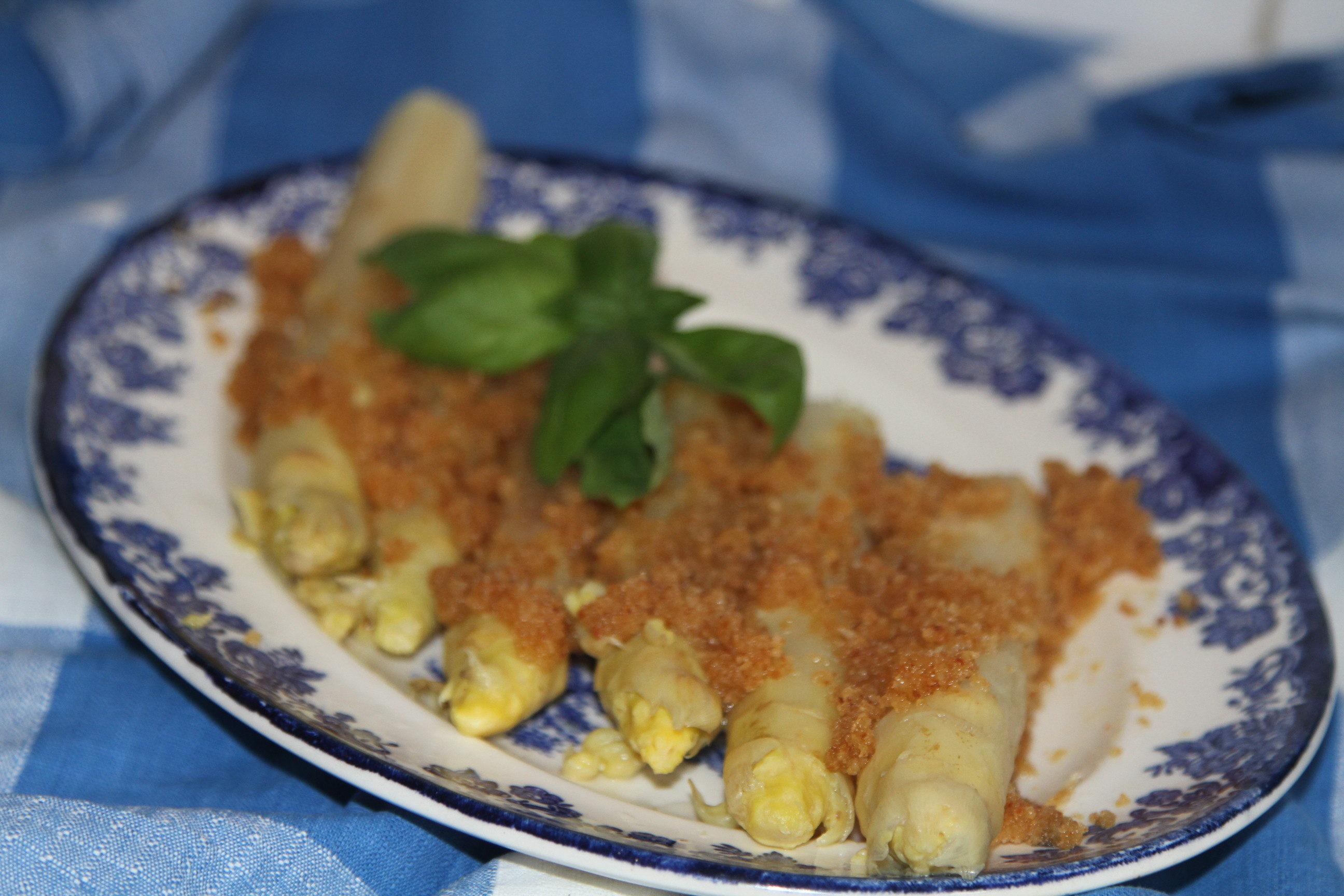 gotowane szparagi