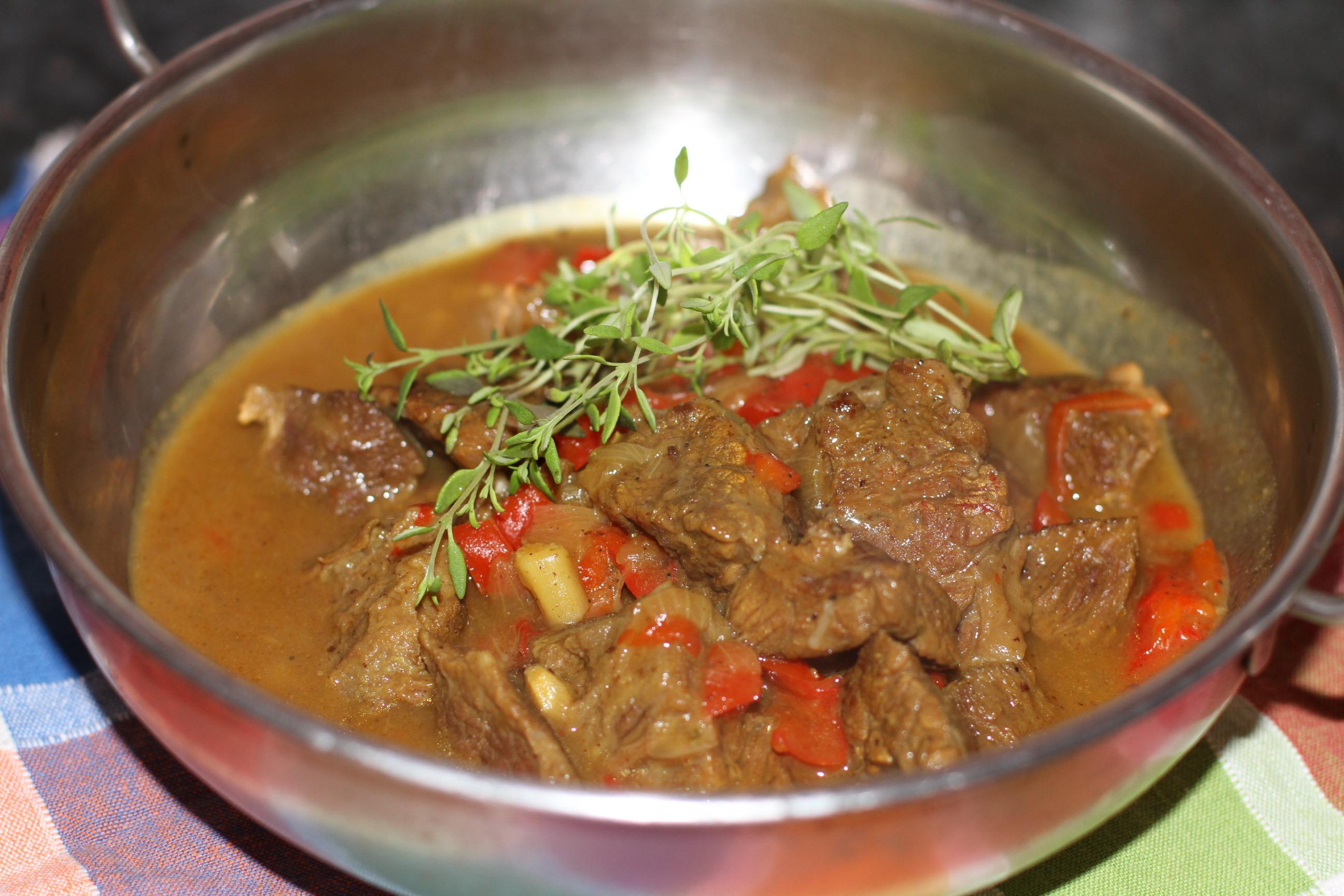 wołowina w sosie