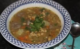 Zupa z fasolą sojową