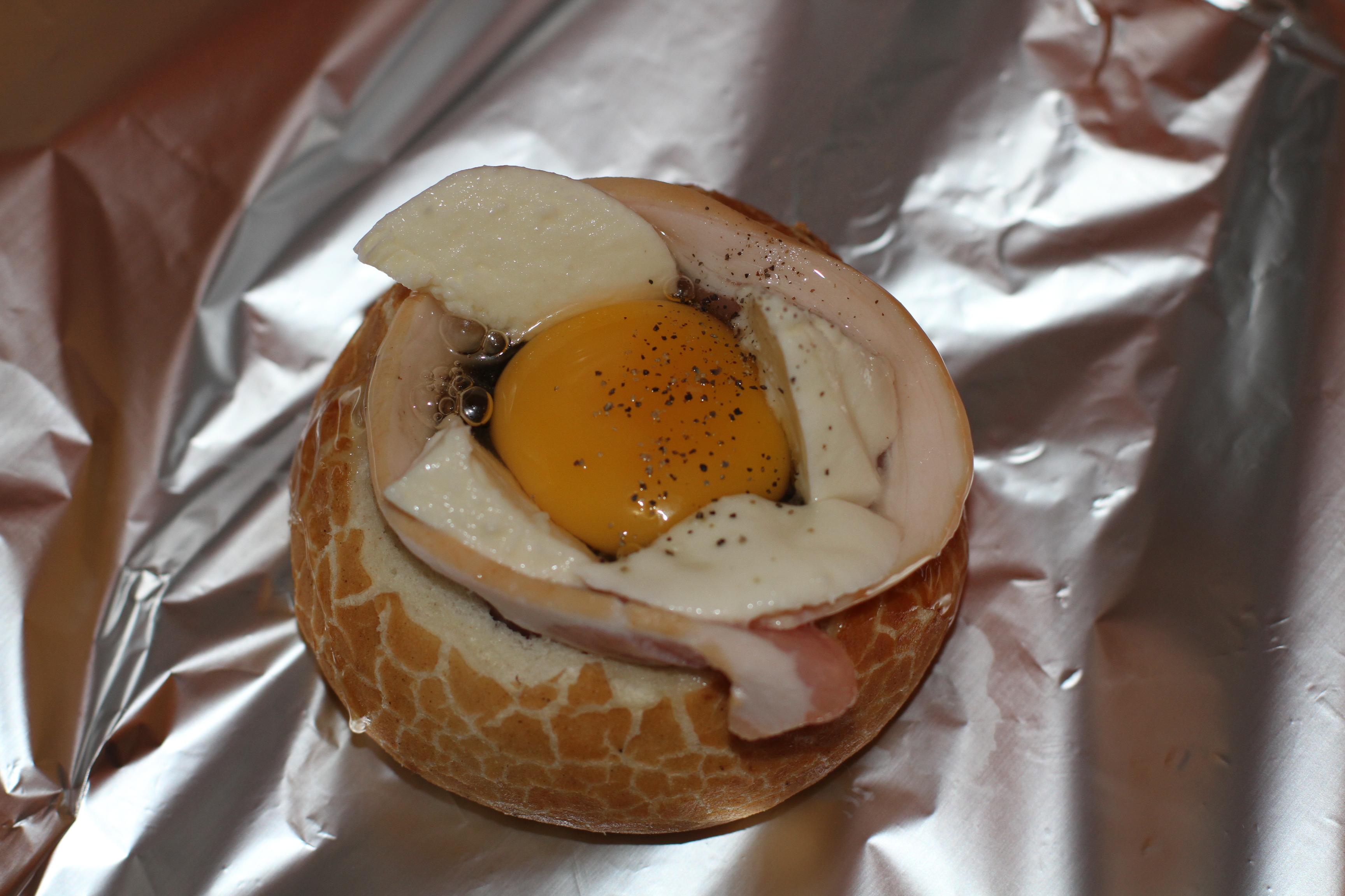 jajko pieczone w piekarniku