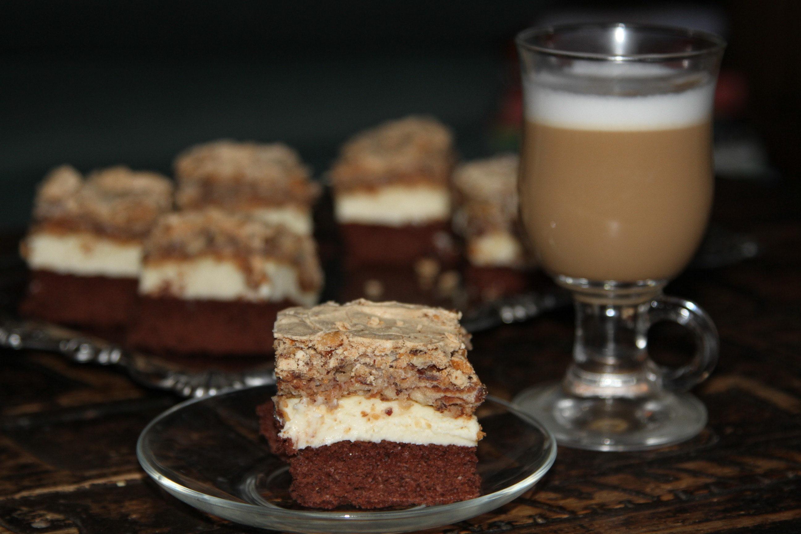 ciasto kakaowe z masą bezową
