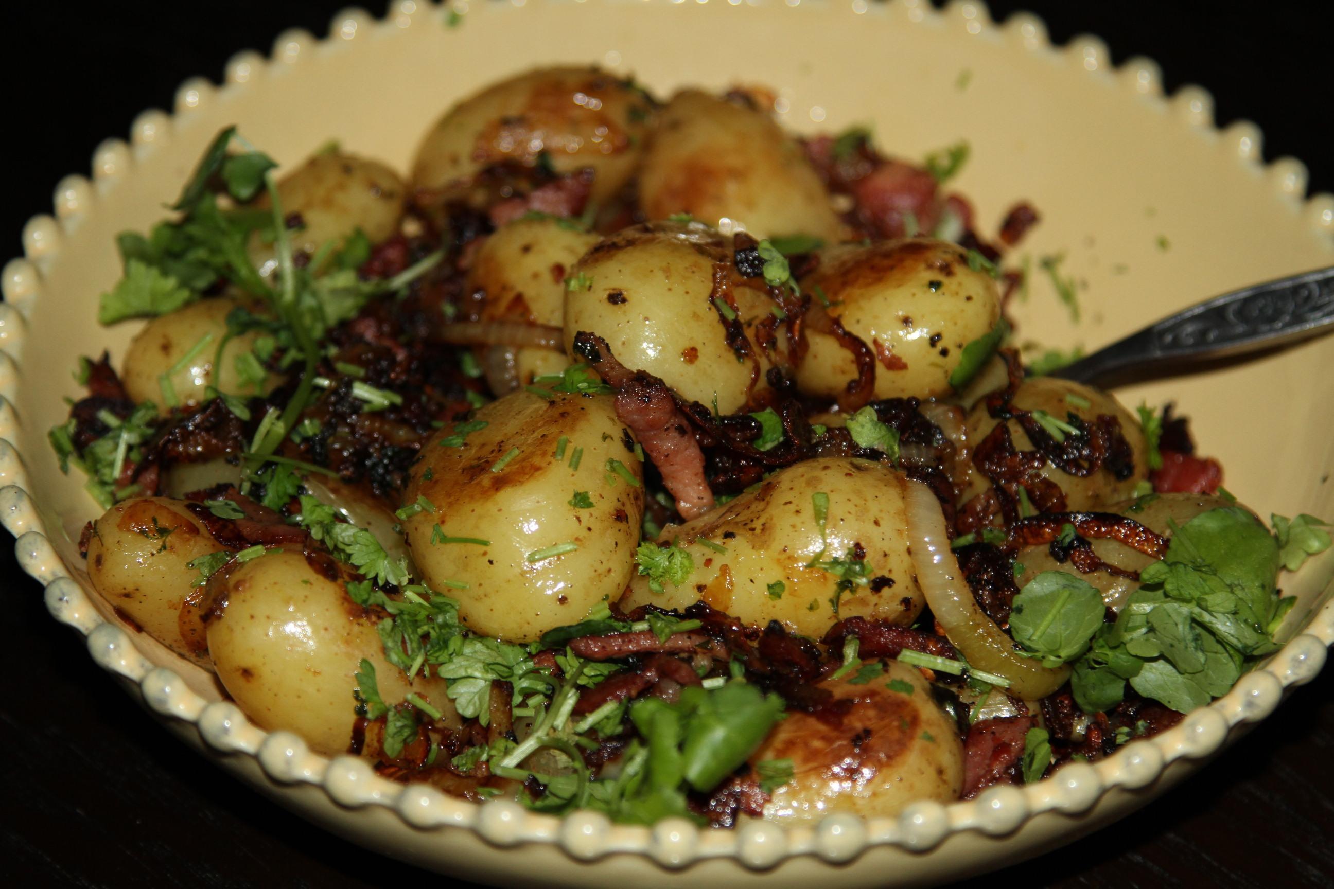 smażone ziemniaki z bekonem