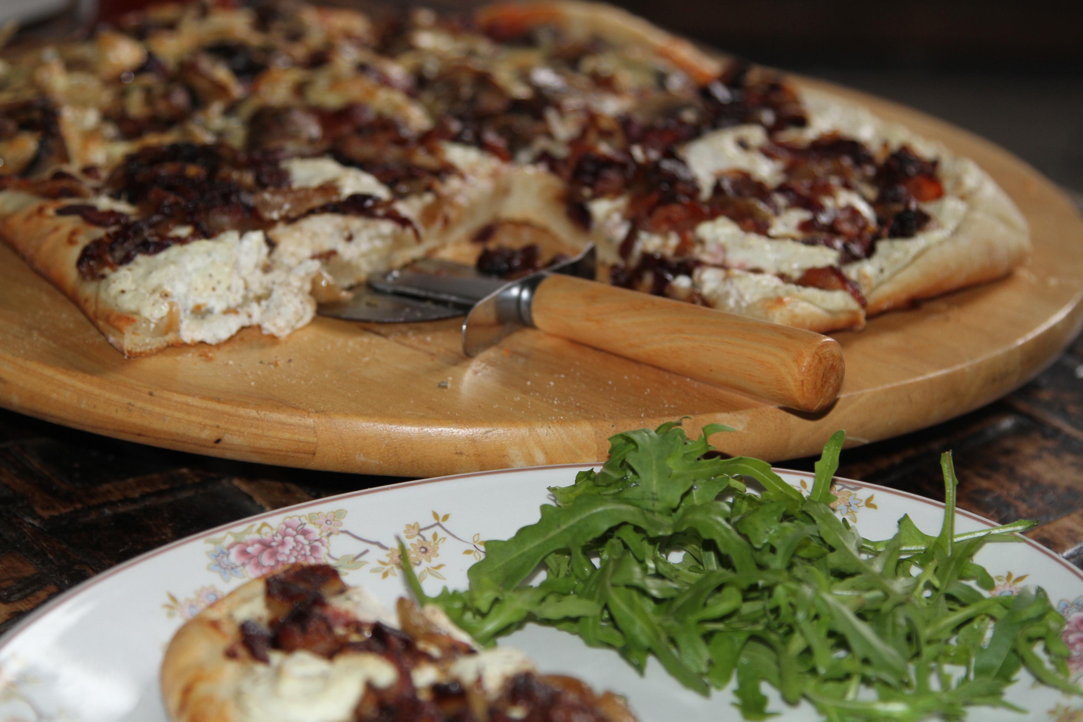 pizza z twarogiem