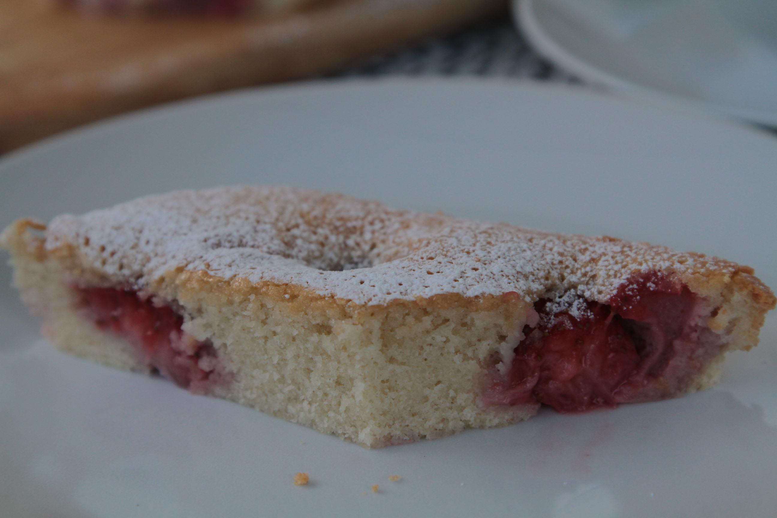 biszkoptowe ciasto z owocami