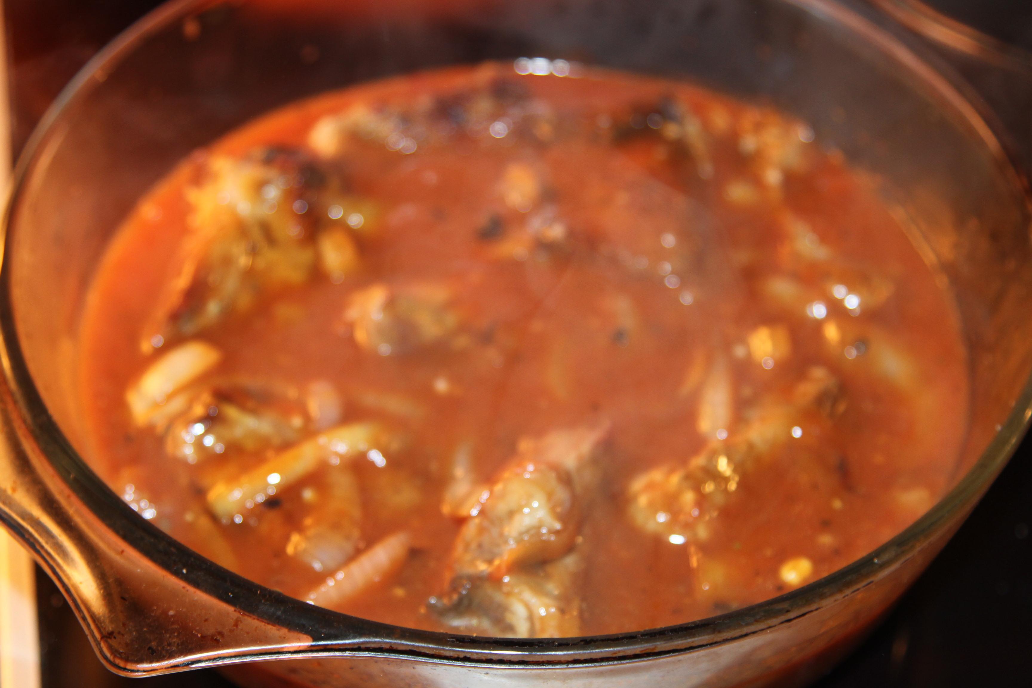żeberka w sosie pomidorowym