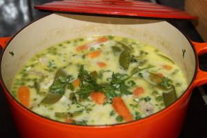 młode warzywa w zupie