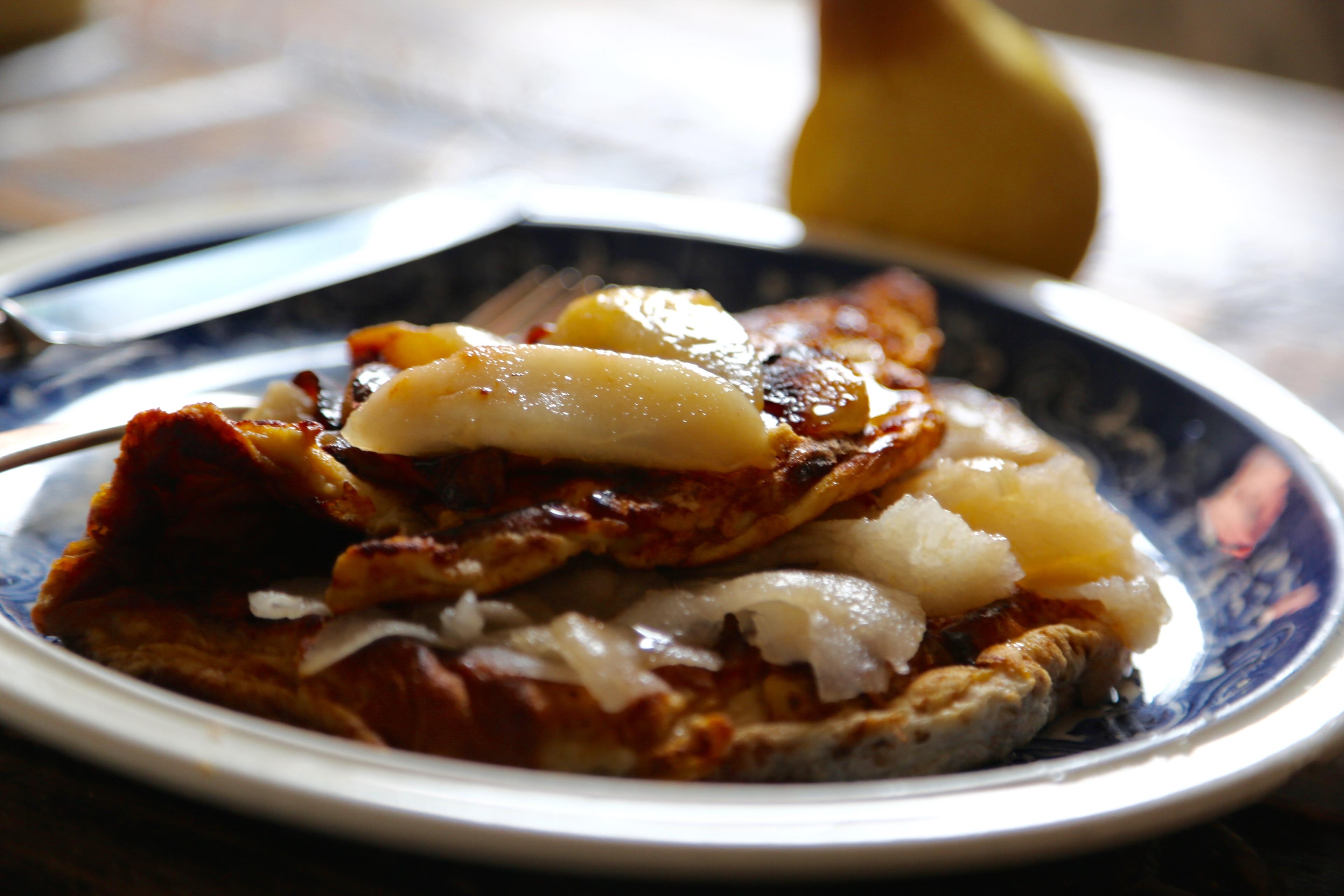 omlet z gruszkami