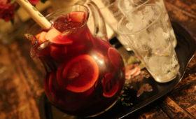 Sangria super napój alkoholowy z owocami